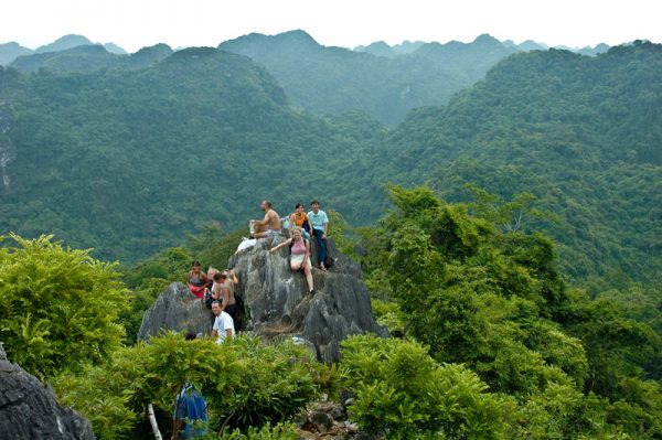 trekking-Cat-Ba-National-Park