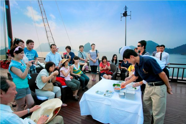 Cooking-class-on-the-sundeck